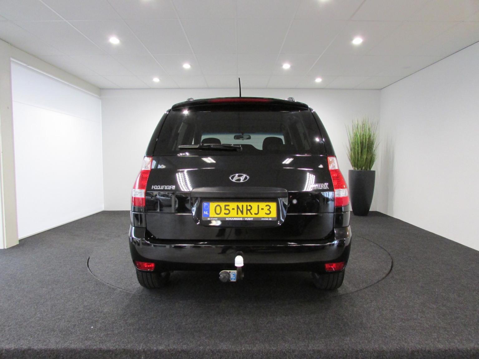Hyundai-Matrix-4