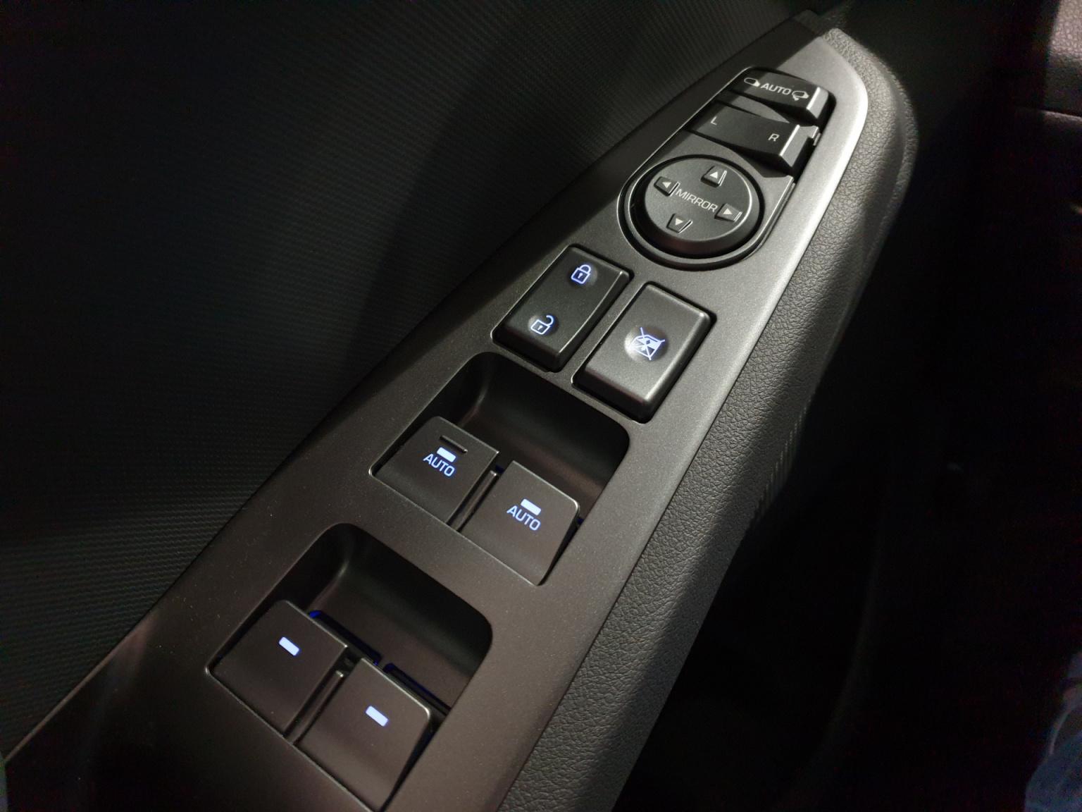 Hyundai-IONIQ-22
